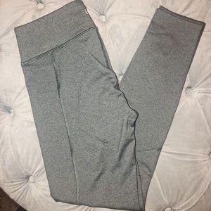 Lou & grey active leggings